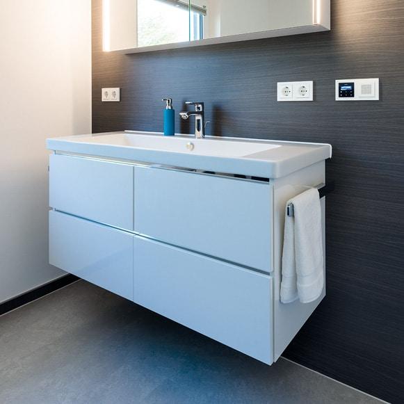 Waschtisch mit Unterschrank weiß und Spiegelschrank