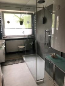 nachher Dusche mit L förmiger Glasabtrennung