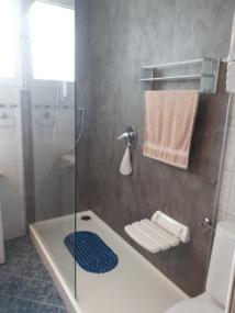 nachher Dusche mit Sitz