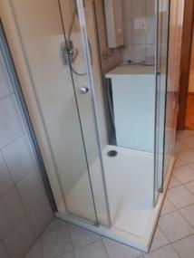 nachher Dusche mit Schiebetüren geöffnet